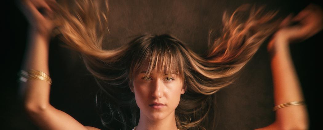 Kyra Hair fling